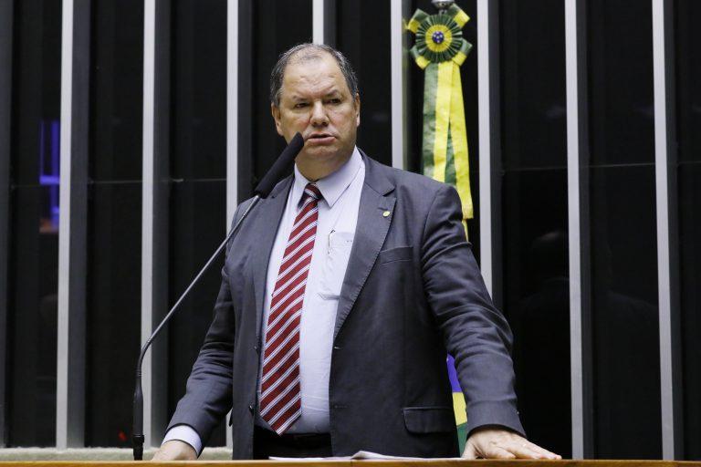 """Comissão Geral para debater """"o Licenciamento Ambiental e a Utilização de Agroquímicos"""". Dep. Alceu Moreira (MDB-RS)"""