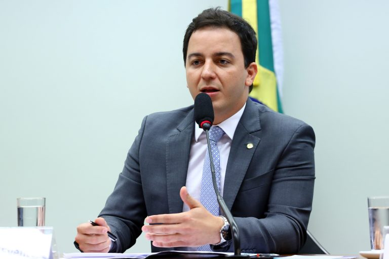 """Audiência Pública - Tema: """"Abate e Comercialização de Pele de Jumentos"""". Dep. Célio Studart (PV-CE)"""