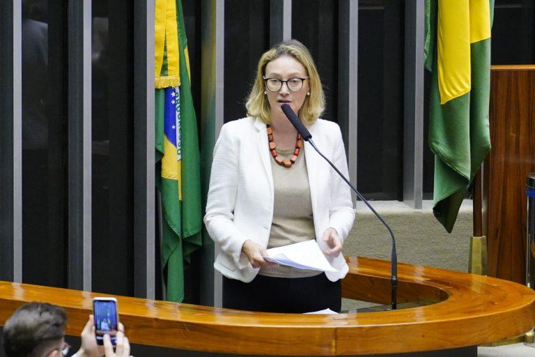 Deputada Maria do Rosário discursa no Plenário da Câmara