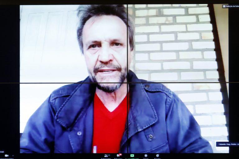 O deputado Pedro Uczai em reunião virtual