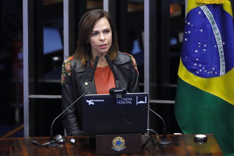 Deputada Professora Dorinha Seabra Rezende discursa em Plenário
