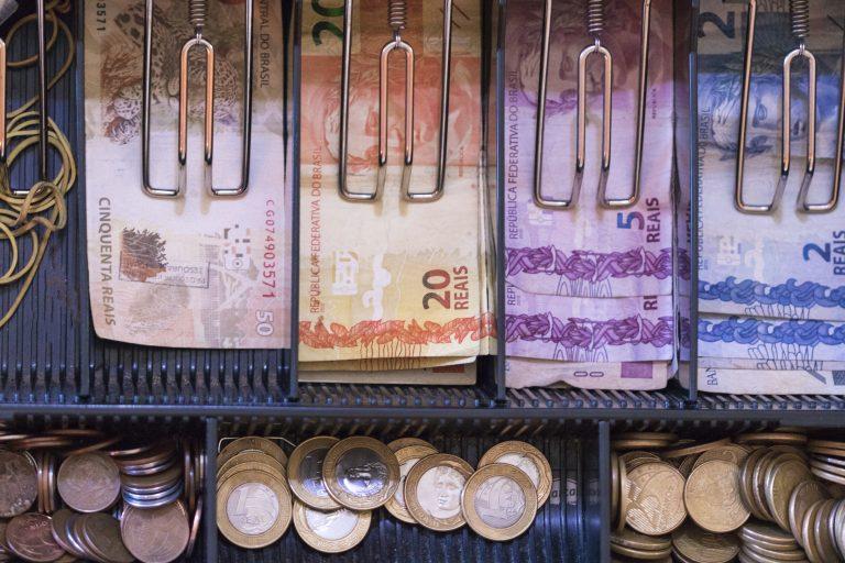 Economia - geral - dinheiro - caixa registradora - pagamento - inflação - crise financeira - notas de real