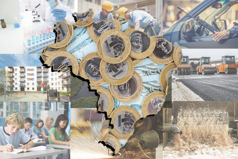 Moedas e cédulas formam um mapa do Brasil. Ao fundo fotos de serviços públicos