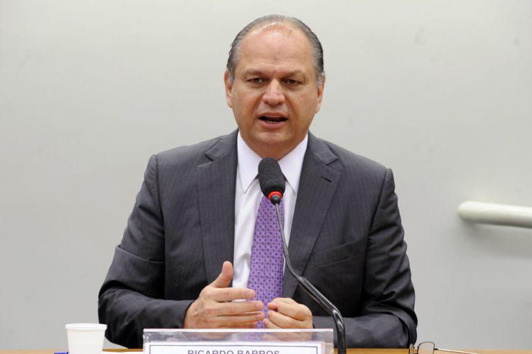 Dep. Ricardo Barros (PP - PR) ao microfone