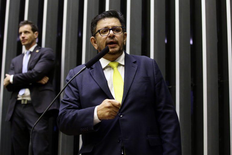Deputado Fábio Ramalho discursa no Plenário da Câmara