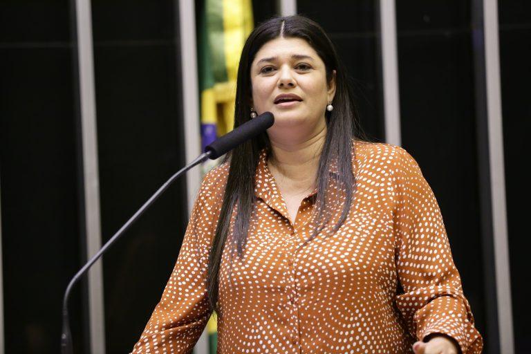 Dep. Rose Modesto (PSDB-MS) na tribuna do Plenário