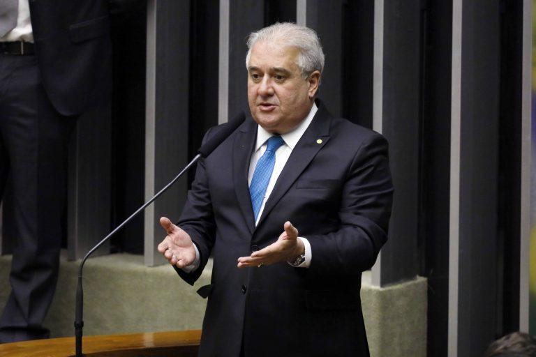Deputado Augusto Coutinho discursa no Plenário da Câmara