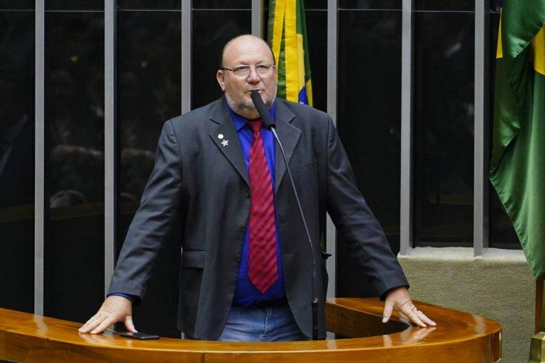 Deputado João Daniel discursa no Plenário da Câmara