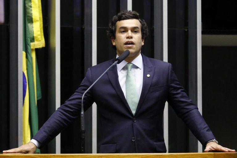 Deputado Beto Pereira discursa no Plenário da Câmara