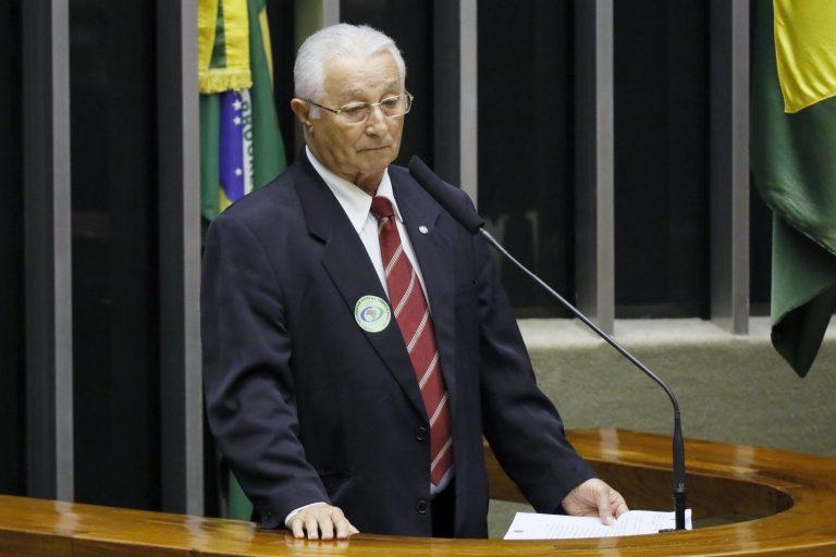 Depurado Frei Anastacio Ribeiro discursa no plenário da Câmara