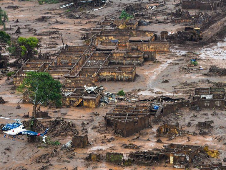 Meio Ambiente - geral - acidente tragédia desastre ambiental Mariana-MG Vale rompimento barragem (comunidade de Bento Rodrigues)