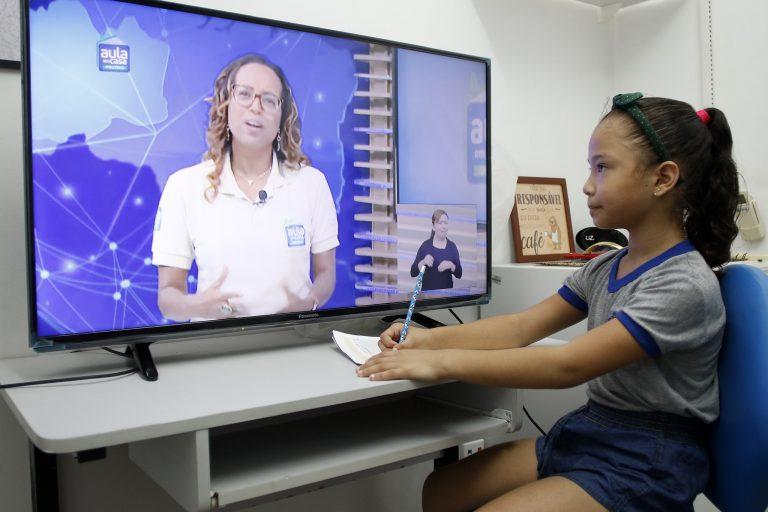 Educação - geral - teleaulas ensino a distancia professores coronavírus Covid-19 pandemia videoaulas alunos estudantes