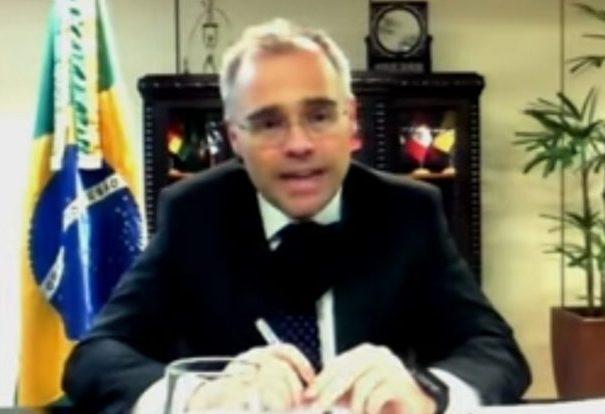 Ministro da Justiça e Segurança Pública, André Mendonça, em reunião da comissão de juristas sobre a Lei da Lavagem de Dinheiro