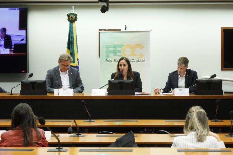 Lacunas na Lei de Acesso à Informação – LAI. Dep. Alexis Fonteyne (NOVO - SP), dep. Adriana Ventura (NOVO - SP) e dep. Marcel van Hattem (NOVO - RS)