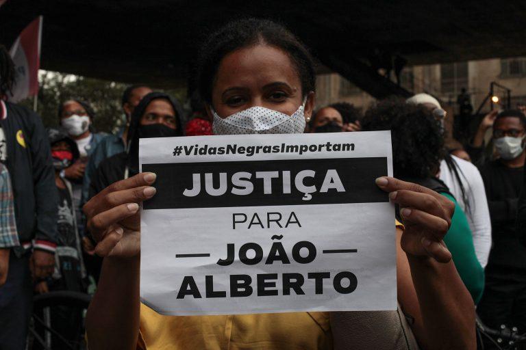 Direitos Humanos - Negros - negro - manifestação - vidas negras - Manifestação realizada em São Paulo contra o assassinato de João Alberto em Porto Alegre