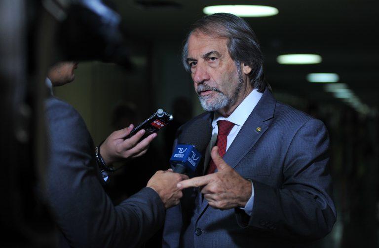 Dep. Luiz Eduardo Cadoca (PCdoB-PE) concede entrevista