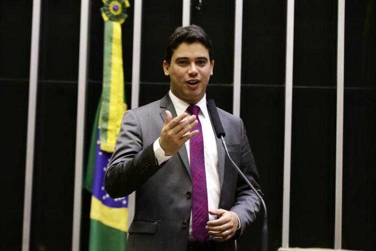 deputado Júnior Mano