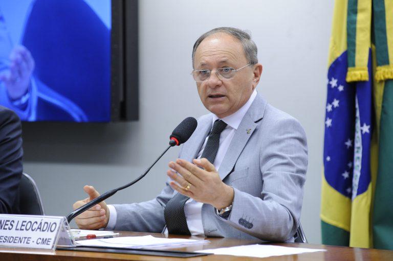 O deputado Benes Leocádio