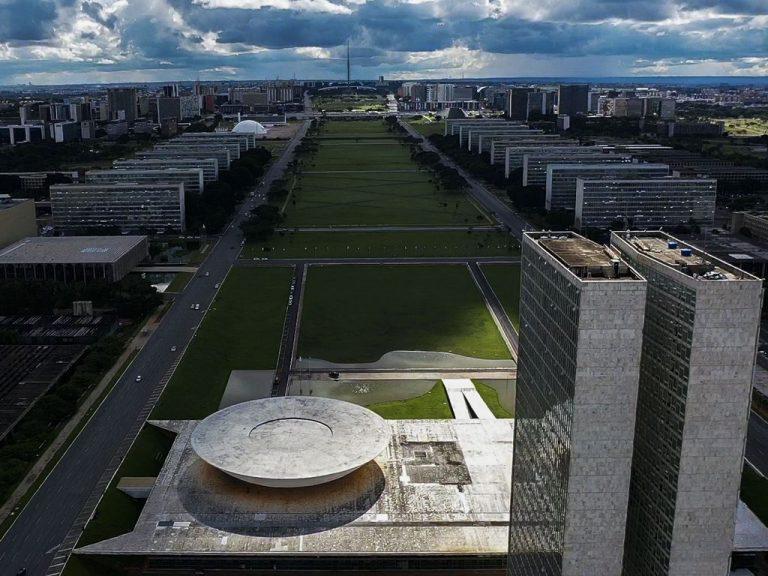 Brasília - esplanada - Congresso Nacional ministérios Executivo Legislativo servidores funcionalismo