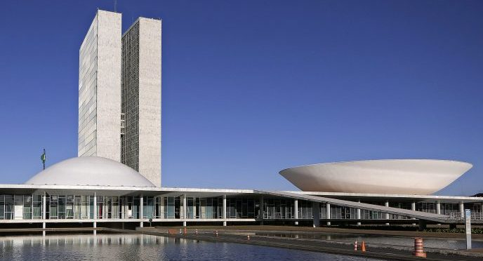 Brasília - Congresso - Câmara Senado cúpulas arquitetura Oscar Niemeyer