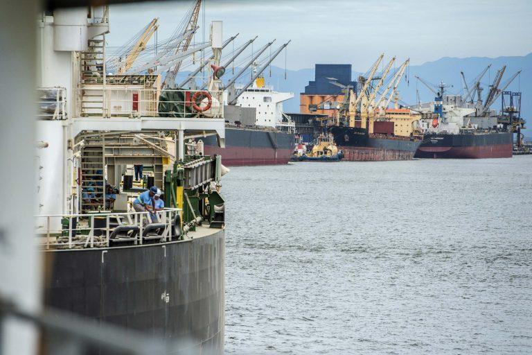 Transporte - barcos e portos - porto - barco - navegação fluvial - Portos do Paraná a