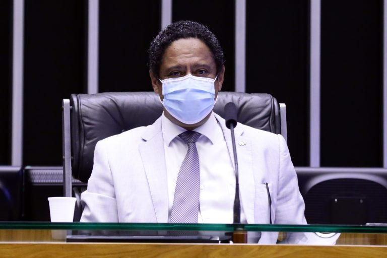 Votação de propostas legislativas. Dep. Orlando Silva(PCdoB - SP)