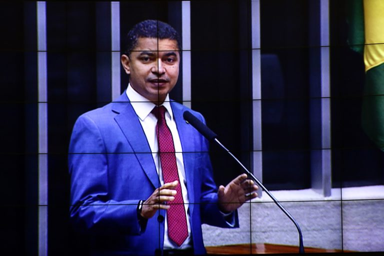 Votação de propostas legislativas. Dep. Bira do Pindaré(PSB - MA)
