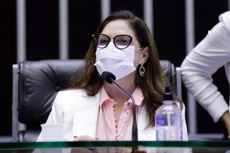 Para Soraya Santos, a pandemia acentuou a dupla jornada das mulheres mães de família