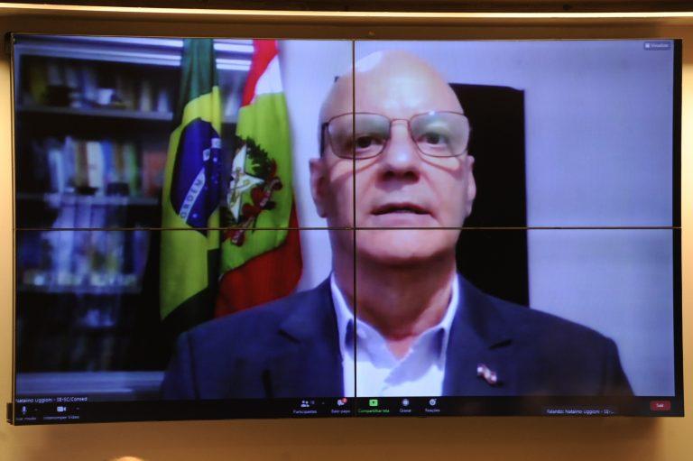 Videoconferência - A Retomada das Aulas Presenciais na Educação Básica em 2021. Secretário de Educação de Santa Catarina representando o CONSED, Natalino Uggione