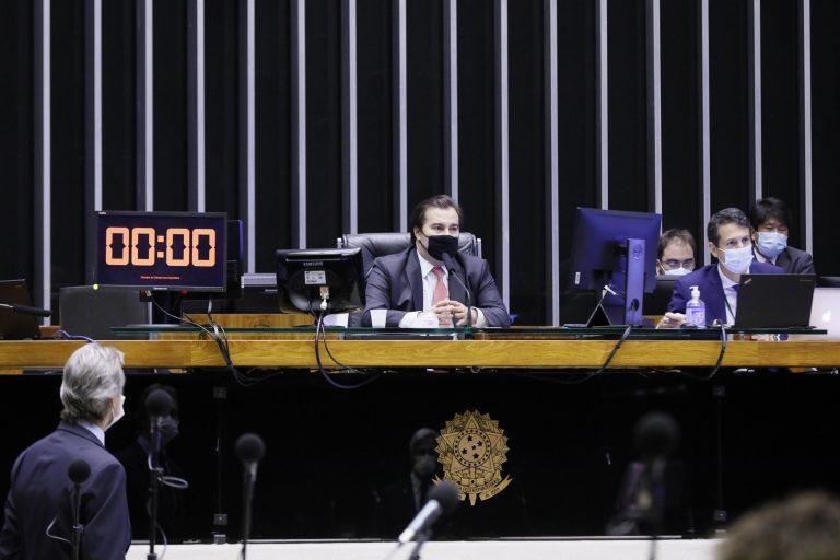 Presidente da Câmara dos Deputados, dep. Rodrigo Maia, na Mesa do Plenário