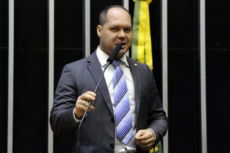 Deputado Heitor Freire discursa no Plenário da Câmara