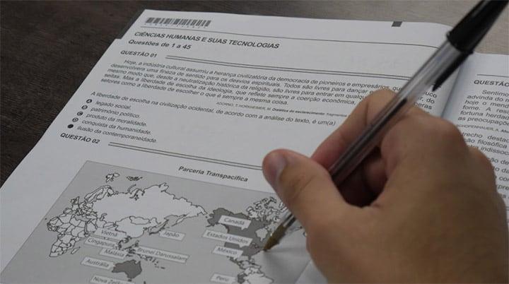 Educação - geral - adolescentes alunos estudantes candidatos provas Exame Nacional para Certificação de Competências de Jovens e Adultos (Encceja) Enem