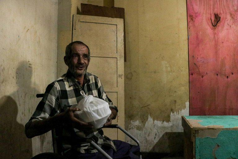 Assistência Social - geral - solidariedade alimentos alimentação moradores de rua população doação cadeirantes idosos deficientes (distribuição de marmitas solidárias para pessoas em situação de rua e ocupações em São Paulo-SP)