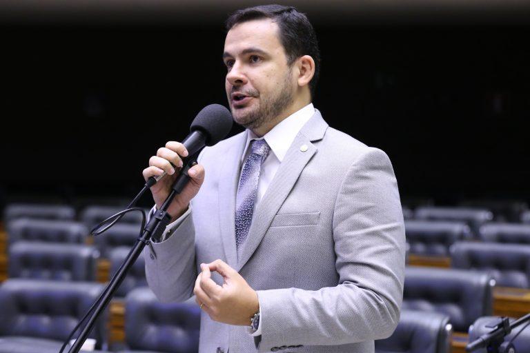 Deputado Capitão Alberto Neto discursa no Plenário da Câmara