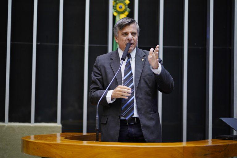 Deputado Boca Aberta discursa no Plenário da Câmara