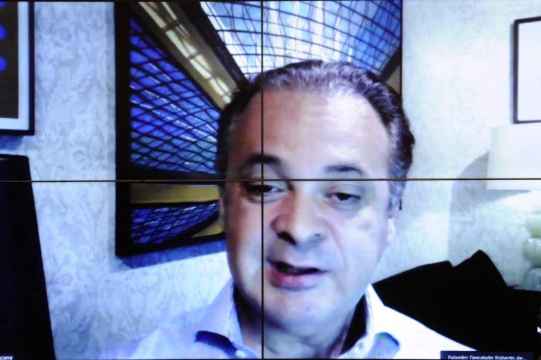 Transparência e Combate à Corrupção. Dep. Roberto de Lucena (PODE - SP)