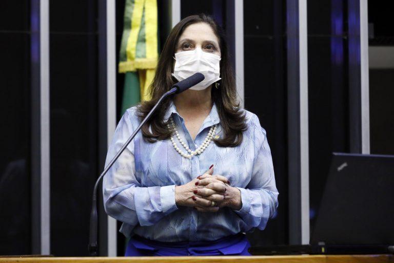 Deputada Soraya Santos discursa no Plenário da Câmara