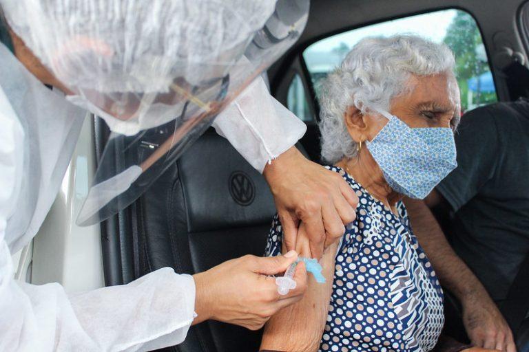 Saúde - Coronavirus -pandemia - vacinação de idosos - vacinação em Manaus - Covid-19