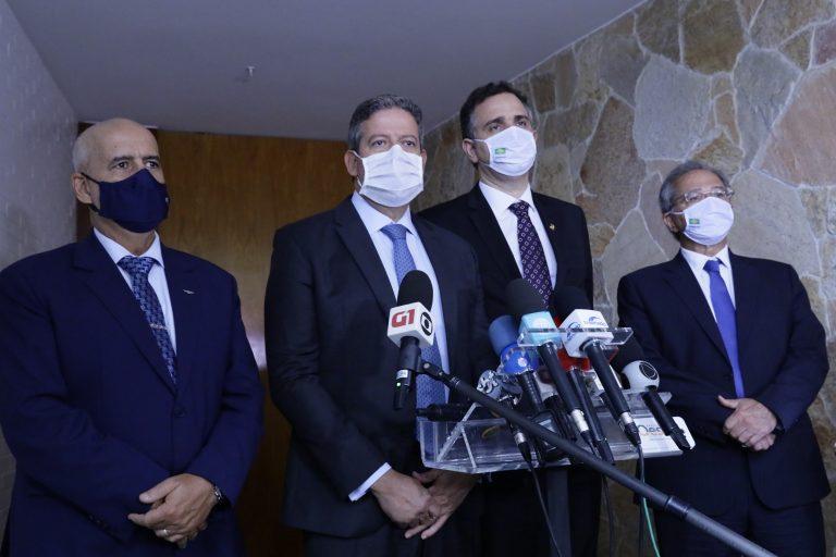 General Ramos, Lira, Pacheco e Guedes durante entrevista