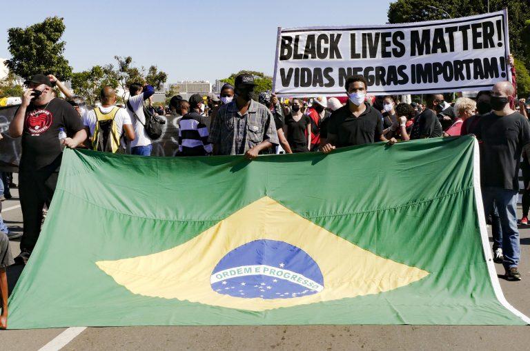 Direitos Humanos - negros - racismo manifestações (protestos antirracismo em Brasília-DF, 7/6/20)