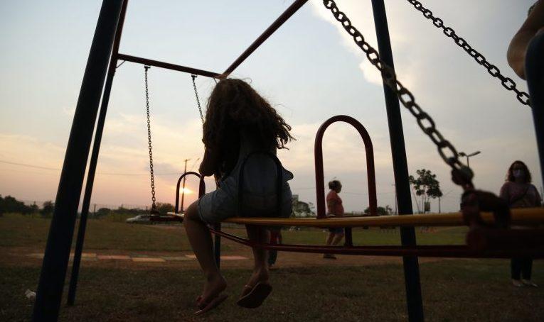 Direitos Humanos - crianças - parquinhos diversão lazer infância brincadeiras