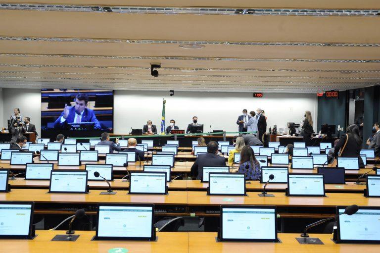 Discussão e Votação de Propostas em comissão