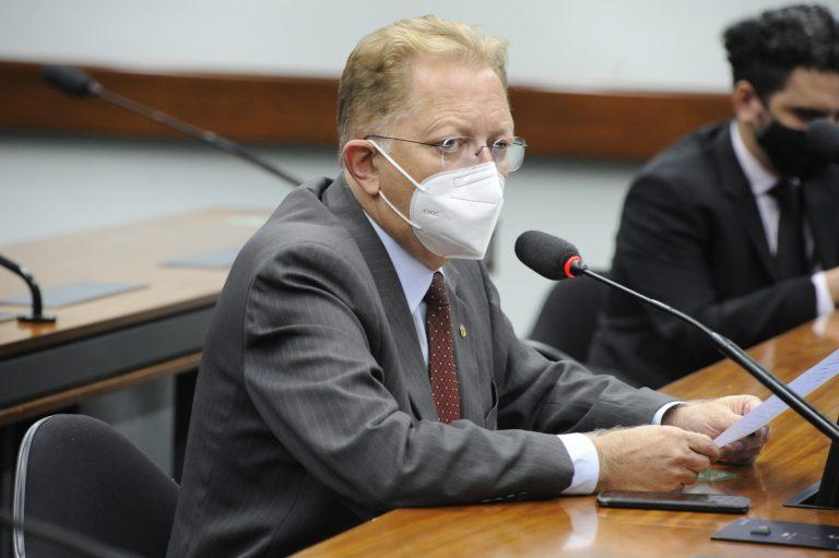 Dep. João Campos (REPUBLICANOS - GO) na reunião da comissão especial