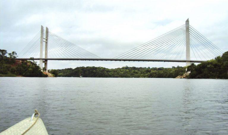 Ponte que liga Brasil a Guiana Francesa