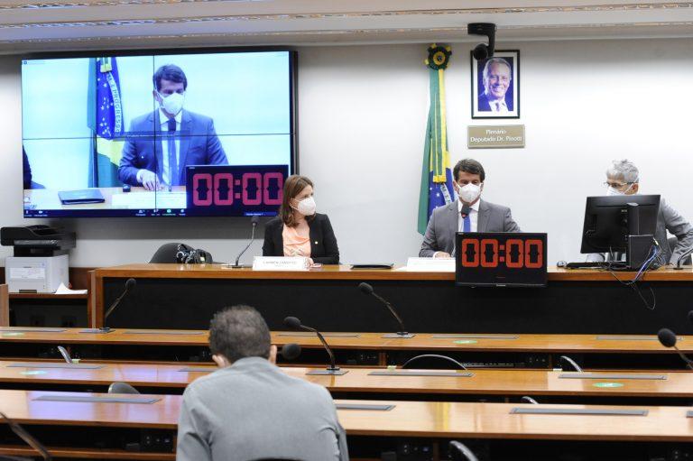 Audiência Pública – O Uso da Tecnologia no Enfrentamento à COVID19. Dep. Carmen Zanotto(CIDADANIA - SC) e dep. Dr. Luiz Antonio Teixeira Jr. (PP - RJ)