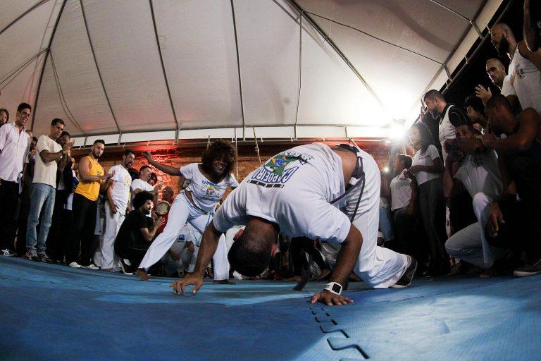 Cultura - dança - capoeira esportes lutas lutadores