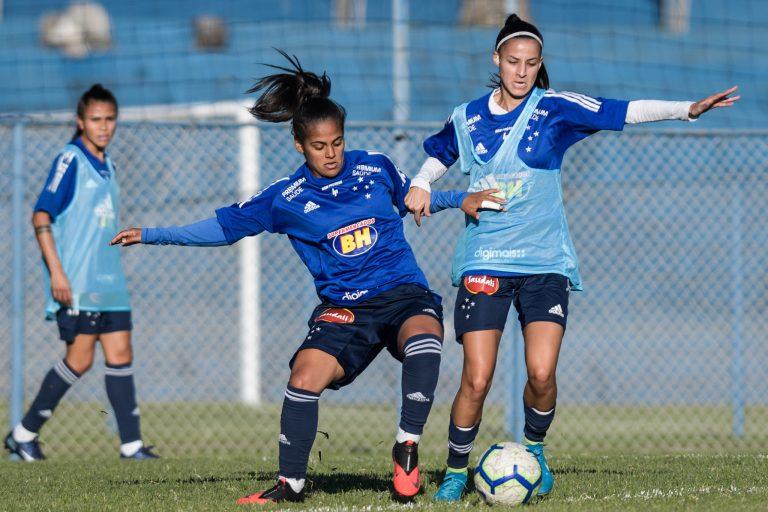 Esportes - futebol - feminino mulheres atletas modalidades treinos