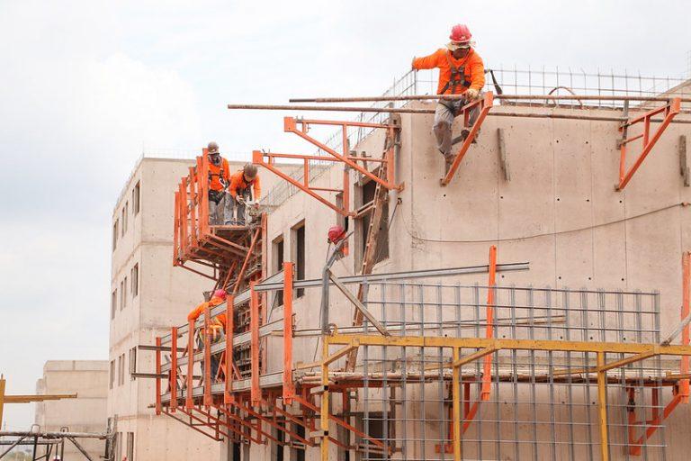 Economia - geral - construção civil - obras - trabalhadores - casas - operários - inflação - material de construção -