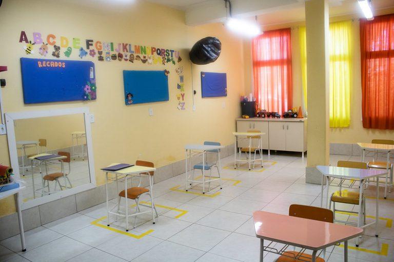 Educação - Sala de aula - pandemia - Covid-19 - Coronavirus - distanciamento social em sala de aula - volta às aulas - escolas - escola - educação infantil