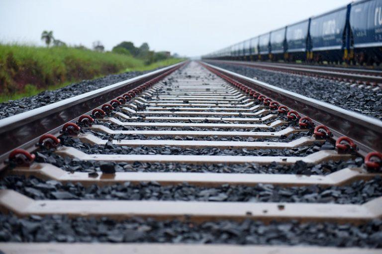 Transporte - trens - ferrovia - Ferrovia Norte Sul – Trecho São Simão/GO – Estrela D'Oeste/SP